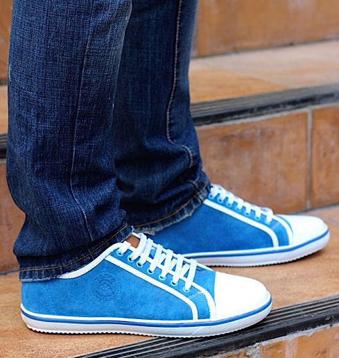 Кеды голубые под джинсы